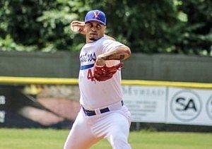 Fernando Cruz, lanzador de los Maceteros (foto por Israel Rivera)